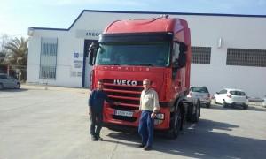 Entrega de cabeza tractora de ocasión IVECO AS440S42TP desde nuestro servicio oficial en Alcañiz. . Gracias por seguir confiando en Talleres Fandos.