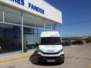 Entrega de furgoneta IVECO 35S13 de 12m3 para Muebles Lazaro de Teruel, Esperamos que repartáis muchos muebles con esta super furgoneta.
