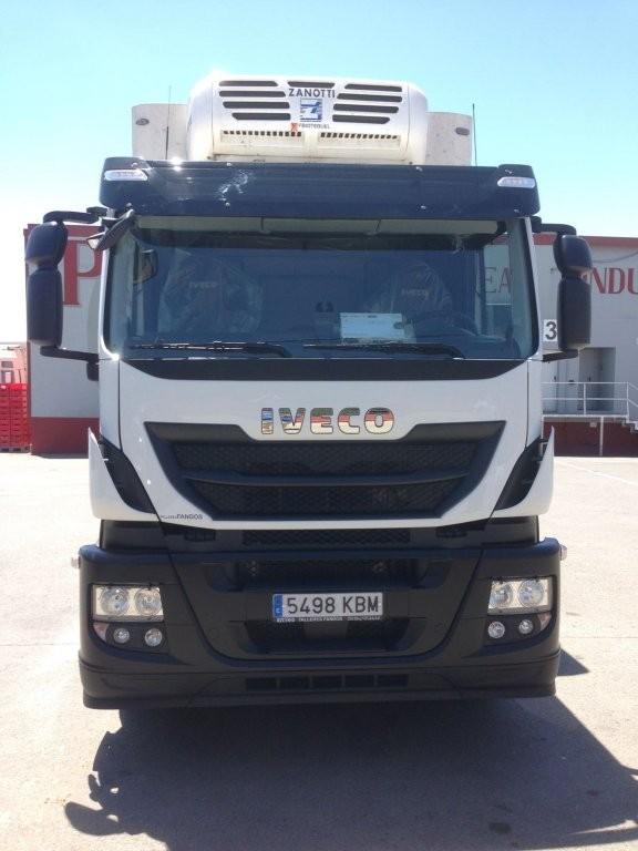 Entrega de camión frigorífico nuevo IVECO AT260S42Y/P a nuestro amigo Teodoro.