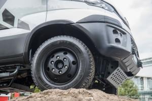 Iveco-Daily-4x4-2019-IAA-Hannover-Nutzfahrzeuge-3-750x500 Talleres Fandos