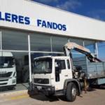 Entrega de camión de ocasión Volvo con grúa para Portugal.