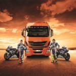 Iveco entrega al equipo Yamaha Factory Racing y a Dorna Sports 20 nuevos camiones Stralis Hi-Way